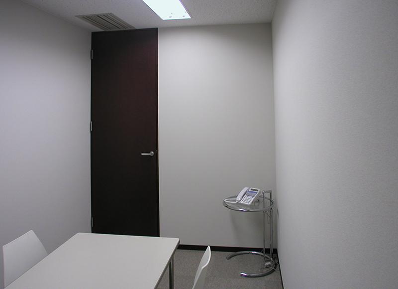 オフィス移転工事 福岡県福岡市中央区大名の事例遮音性を重視した応接室2