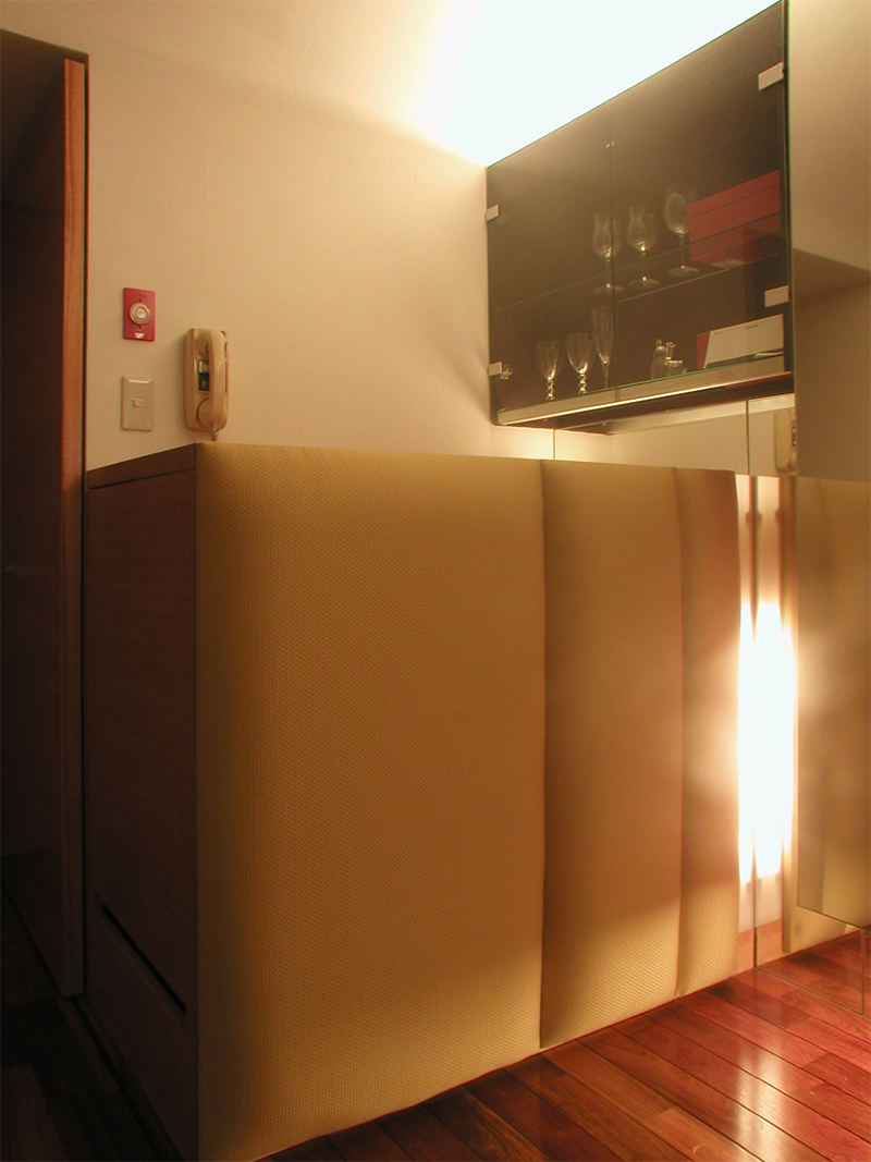 多機能家具 洗濯機 ワインクーラー閉じた状態