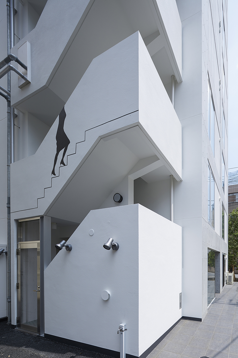 賃貸併用住宅 自宅兼賃貸マンション建替え事例屋外避難階段
