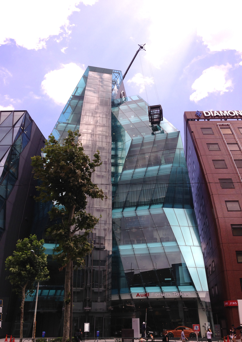 Audi Forum Tokyo ゴンドラ デザインオフィス事例