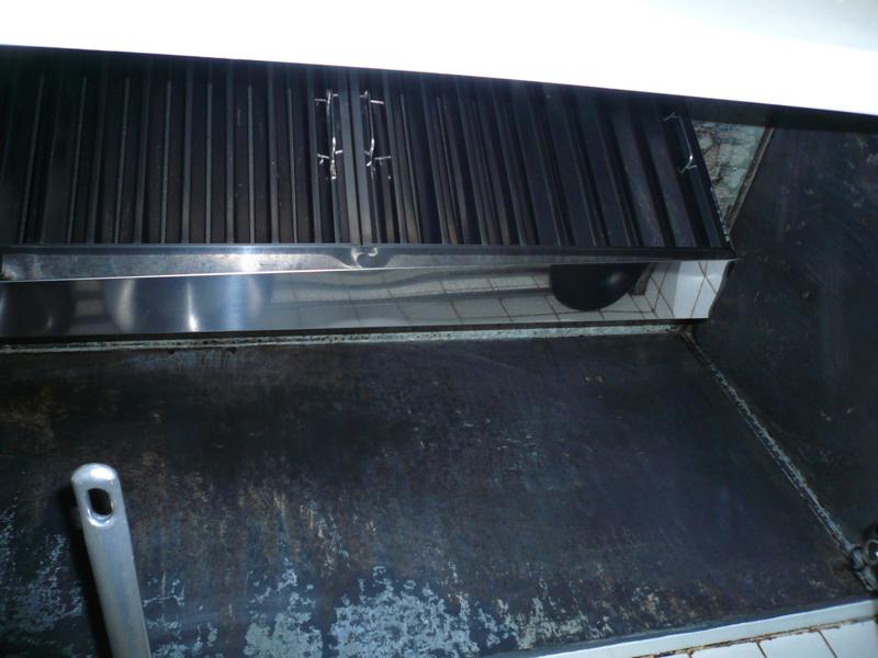 レストラン店舗 レンジフード再利用の実践方法レンジフード内部グリースフィルター