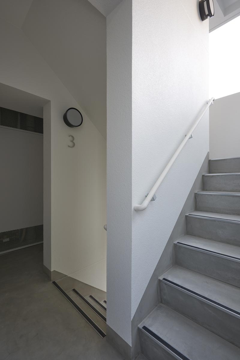 屋外避難階段賃貸併用住宅賃貸マンション建て替え