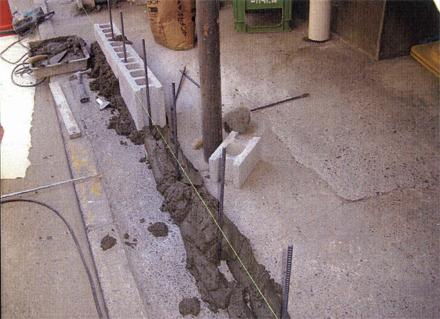 組積工事 1階外階段下物入れ ブロック積み施工状況
