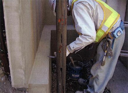 左官工事 ゴミ置場既存ブロック 薄塗り補修仕上げ施工状況