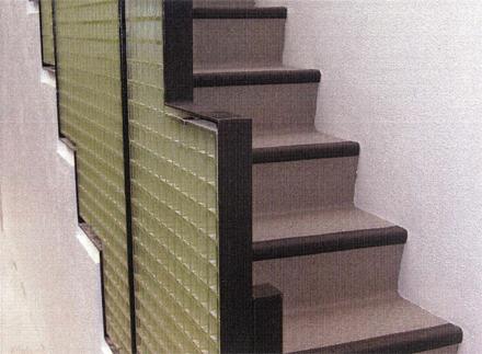 金属工事 1階外階段手摺 取付状況
