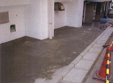 左官工事 駐輪場既存土間 モルタル補修仕上げ施工完了