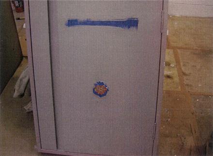 塗装工事 消火栓BOX錆止め塗装施工状況