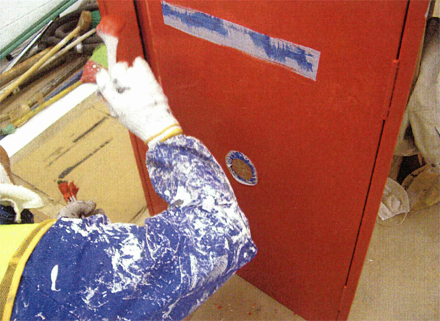 塗装工事 消火栓BOX 塗装仕上げ施工状況