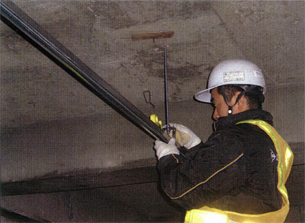 電気設備工事 1階テナント室内 照明器具施工状況