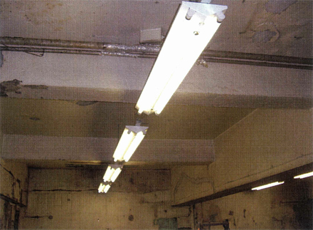電気設備工事 1階テナント室内 照明器具施工完了