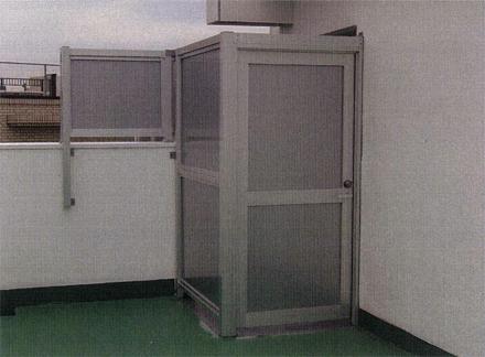 金属工事 12階南側ルーフバルコニー 門扉フェンス 取付完了