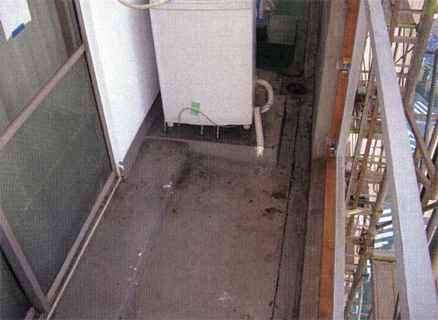 防水工事 バルコニー床 ウレタン塗膜防水 プライマー塗布施工完了