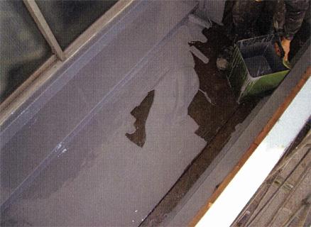 防水工事 バルコニー床 ウレタン塗膜防水 ウレタン塗布状況