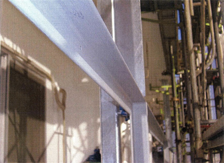 塗装工事 バルコニー手摺 スチール枠錆止め塗装 施工状況