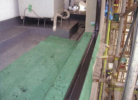 塗装工事 バルコニー手摺 スチール枠グラファイト塗装 2回塗り施工状況