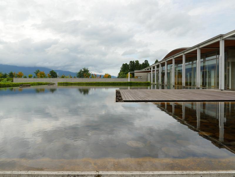 片岡直樹の建もの探訪|ゑしんの里記念館 水盤