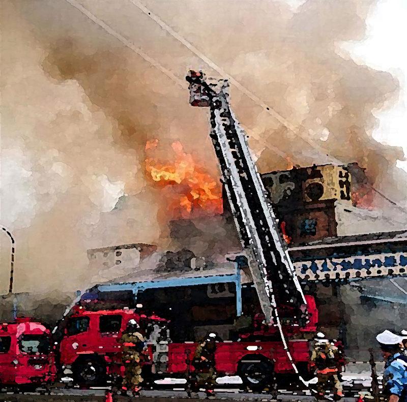 壁の中で出火『伝導過熱』防止策 築地火災から考える 内装制限と、コンロと壁の距離