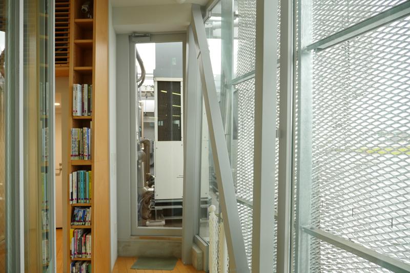 なかまちテラス 小平市立仲町公民館・仲町図書館2階機械室