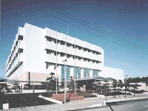伊藤喜三郎建築研究所勤務時代ン時担当した石巻市立病院外観