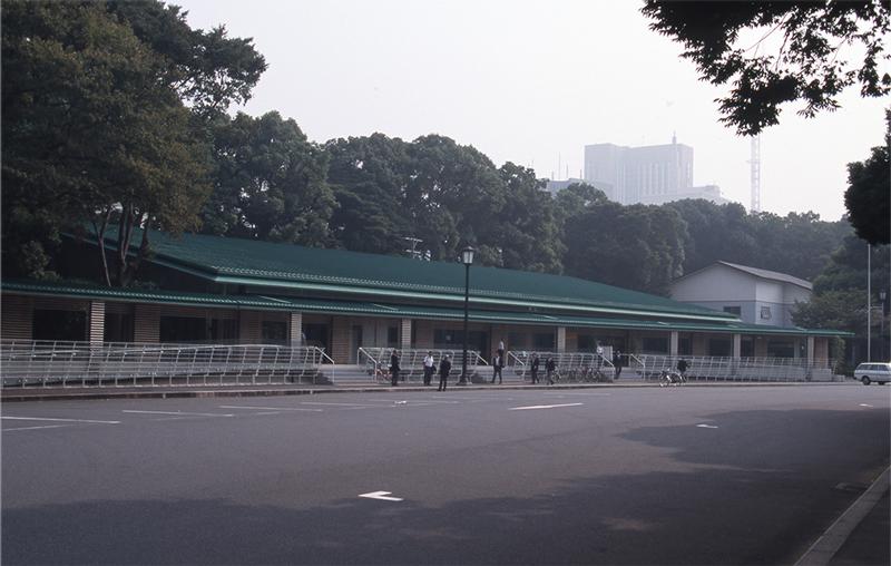 北川原温事務所勤務時代に設計担当した皇居外苑休憩所楠公レストハウス