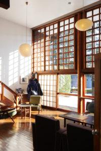 前川国男邸|リビング南側木製サッシ階段側|江戸東京たてもの園