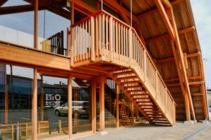 片岡直樹の建もの探訪|いこて十日町産業交流発信館 ファサードアップ