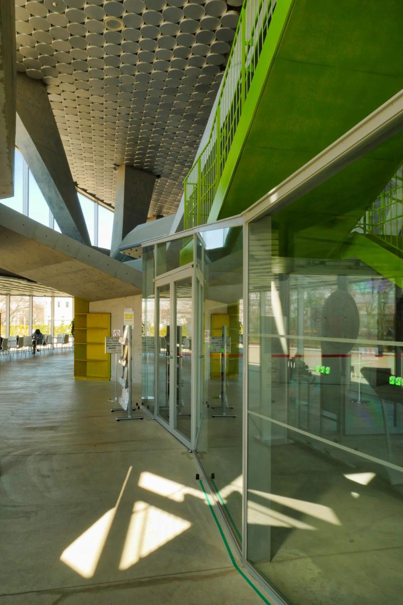 片岡直樹の建もの探訪|秋葉区文化会館ホール内観4