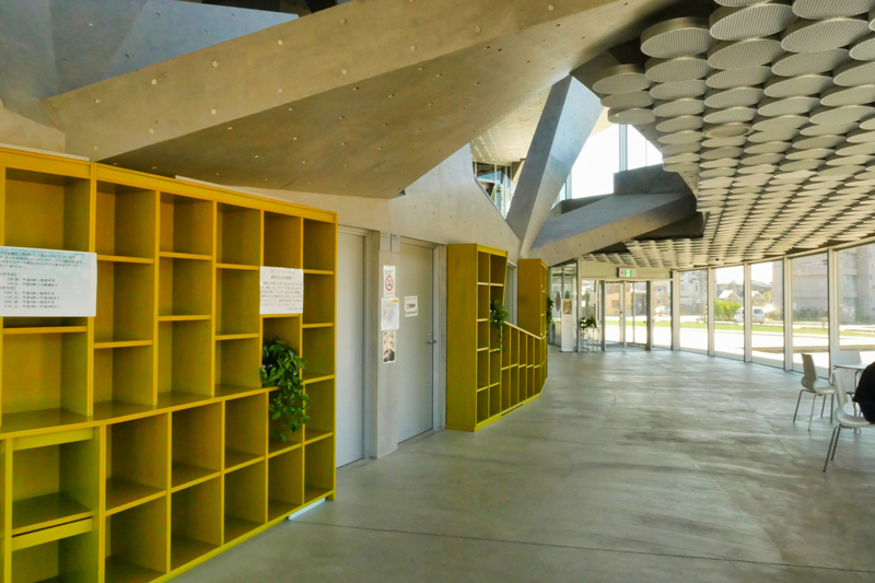 片岡直樹の建もの探訪|秋葉区文化会館ホール内観2