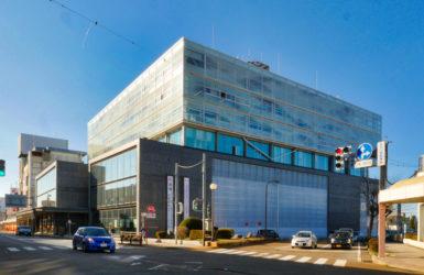 片岡直樹の建もの探訪|新発田市役所庁舎外観