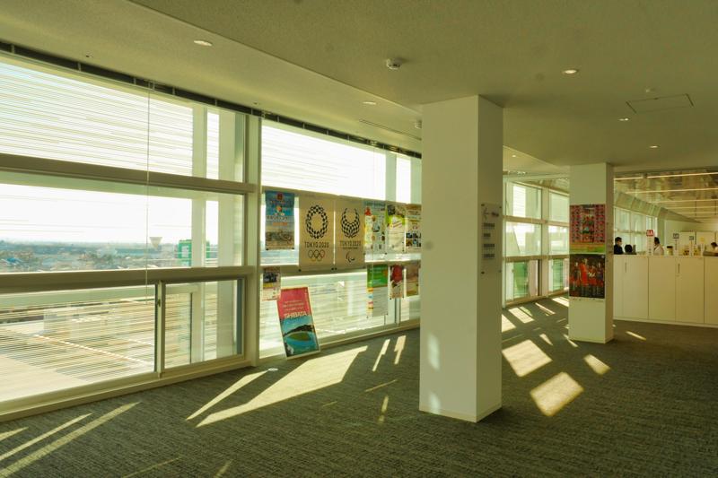 片岡直樹の建もの探訪|新発田市役所庁舎6階得れバーターホール