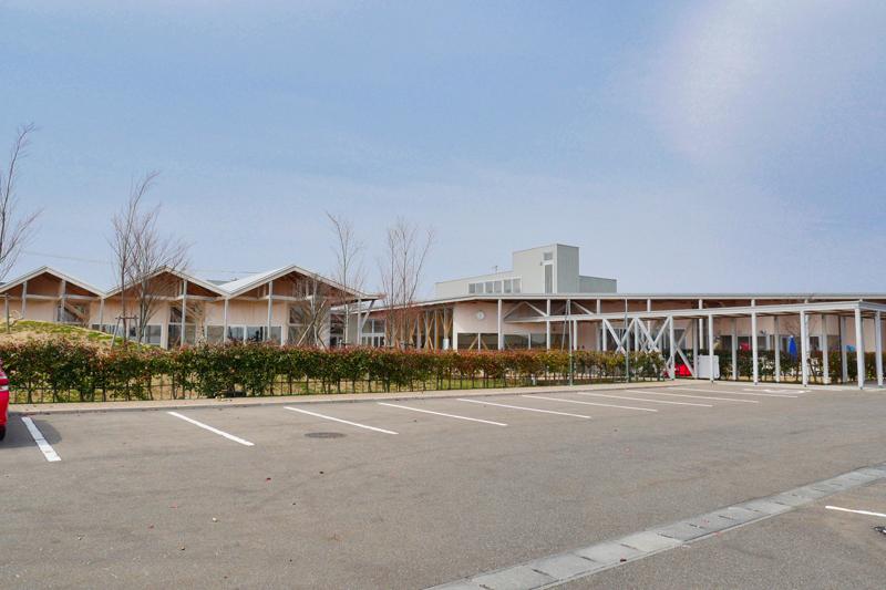 片岡直樹の建もの探訪|川通どれみ保育園駐車場からの眺め