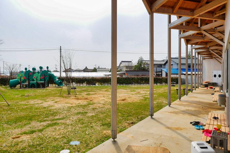 片岡直樹の建もの探訪|川通どれみ保育園年長雁木と園庭