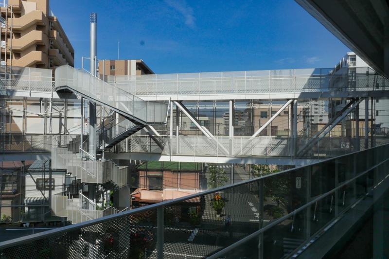 片岡直樹の建もの探訪|ユートリア(すみだ生涯学習センター)視聴覚室からブリッジの眺め