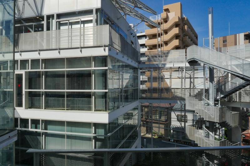 片岡直樹の建もの探訪|ユートリア(すみだ生涯学習センター)屋外階段