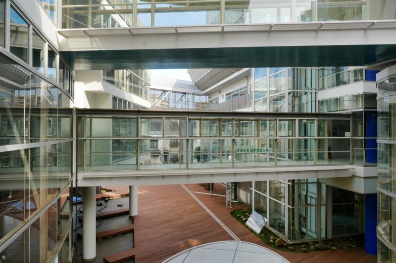片岡直樹の建もの探訪|ユートリア(すみだ生涯学習センター)ブリッジ