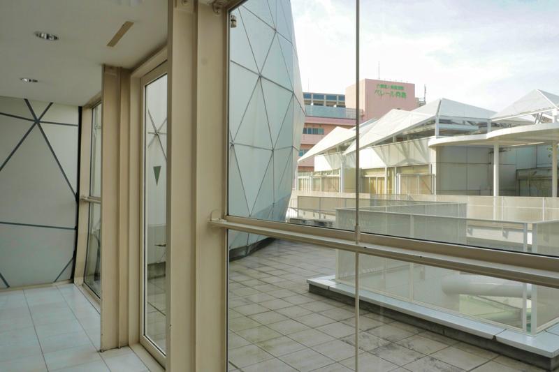 片岡直樹の建もの探訪|ユートリア(すみだ生涯学習センター)B棟 4階 ドームロビーガラスカーテンウォール