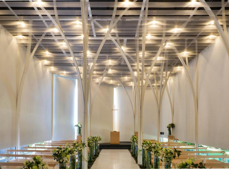 森の教会アルカーサル迎賓館 高崎|住宅/ビル/マンション設計者の建もの探訪 内観正面