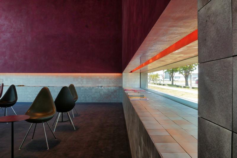 ラウンジディテール|太田市民会館|住宅/ビル/マンション設計者の建もの探訪