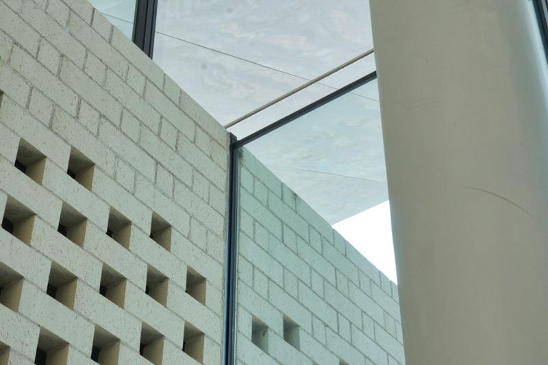 多目的室ディテール|太田市民会館|住宅/ビル/マンション設計者の建もの探訪