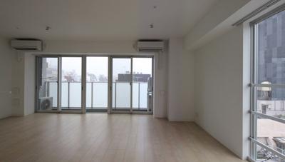 工事中に設計者が撮影した入居募集写真リビング|一日でも早く満室にするための新築賃貸マンション入居者募集方法