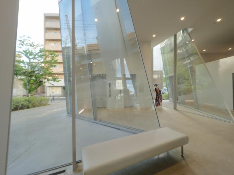 エントランスホール|すみだ北斎美術館|住宅/ビル/マンション設計者の建もの探訪