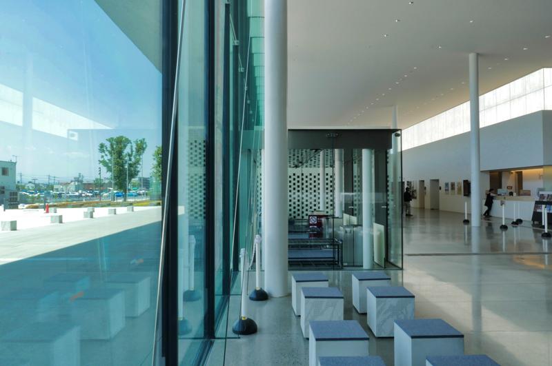 ガラスカーテンウォール|太田市民会館|住宅/ビル/マンション設計者の建もの探訪