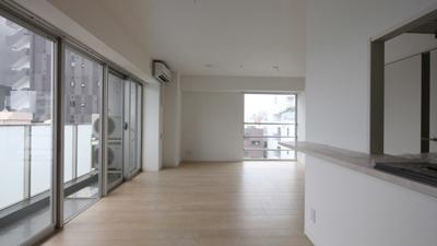 工事中に設計者が撮影した入居募集写真2LDKリビング|一日でも早く満室にするための新築賃貸マンション入居者募集方法