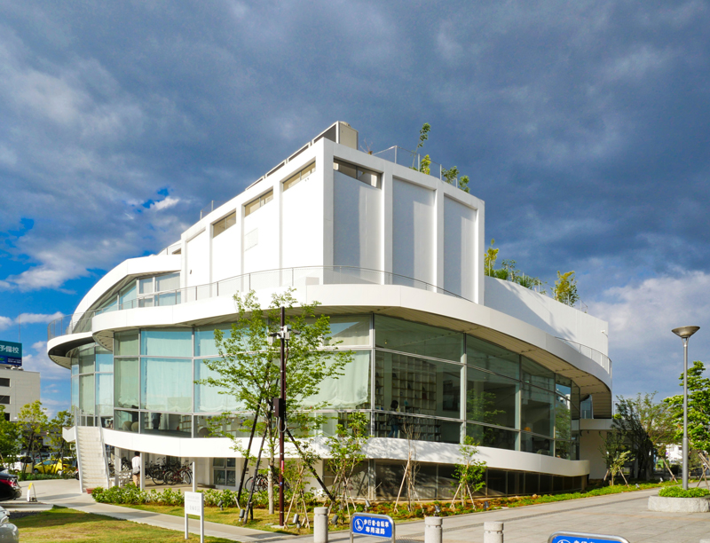 南西外観|太田市美術館・図書館|住宅/ビル/マンション設計者の建もの探訪