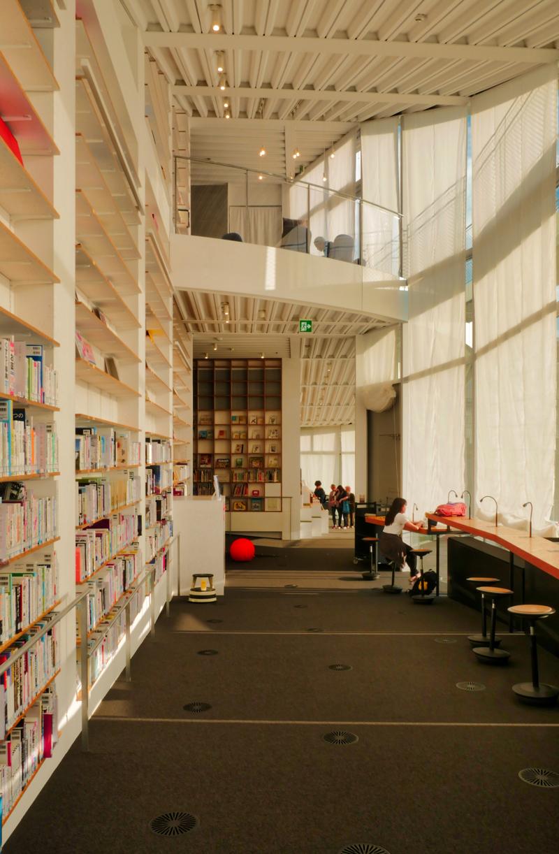 2F学びの道|太田市美術館・図書館|住宅/ビル/マンション設計者の建もの探訪