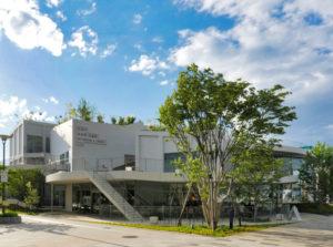 伊勢崎線太田駅からの外観|太田市美術館・図書館|住宅/ビル/マンション設計者の建もの探訪
