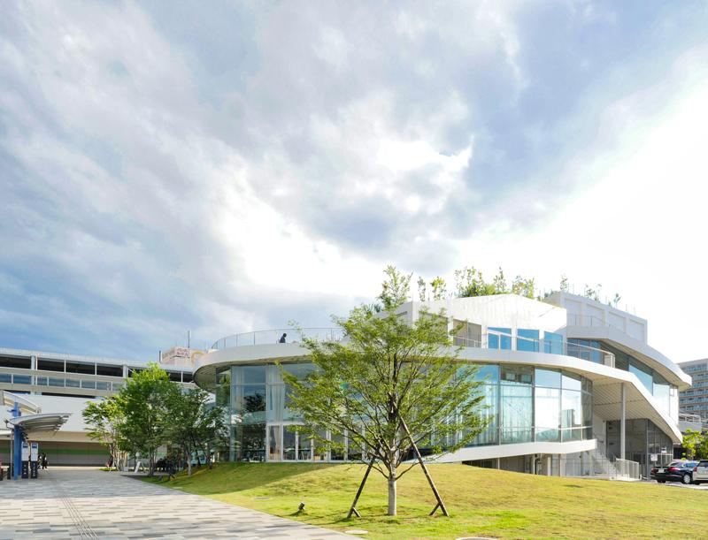 北東外観|太田市美術館・図書館|住宅/ビル/マンション設計者の建もの探訪