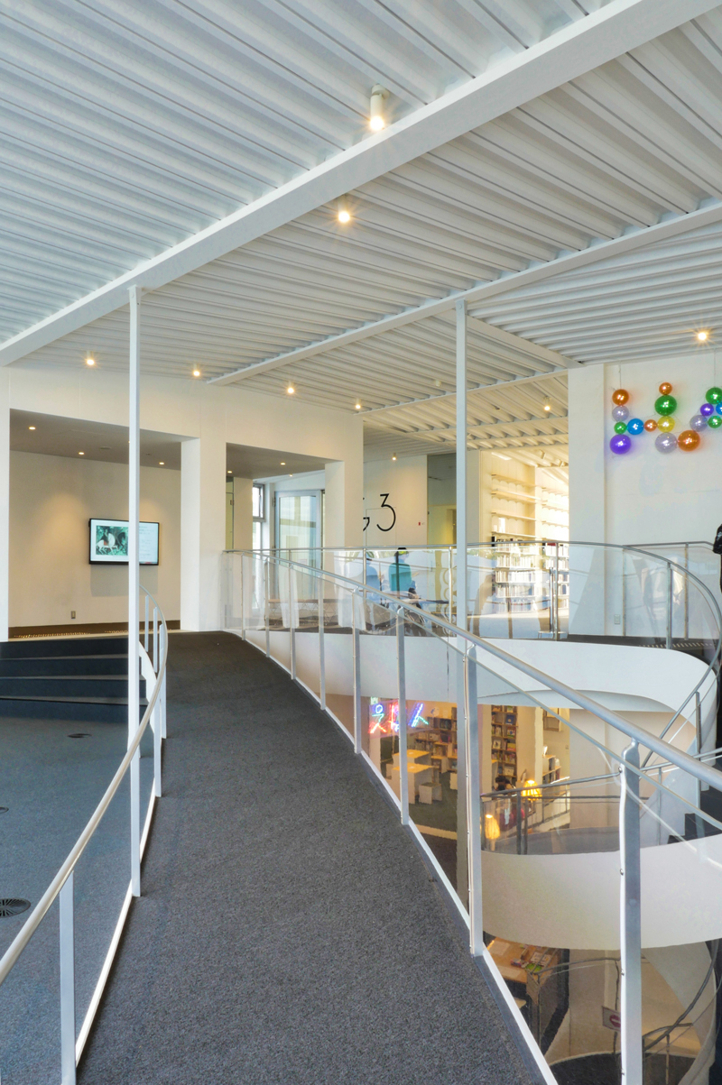 3Fテラスから|太田市美術館・図書館|住宅/ビル/マンション設計者の建もの探訪