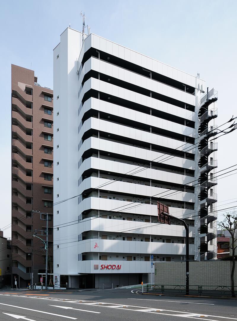 不忍通りに面した外観 after デザインリノベーション|賃貸マンション外壁大規模修繕|リフォーム空室改善事例