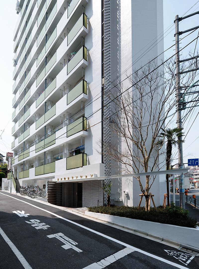 マンションのボリュームを和らげる軒先表現のあるデザイン after デザインリノベーション|賃貸マンション外壁大規模修繕|リフォーム空室改善事例